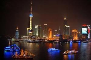Ночной круиз по реке Хуанпу в Шанхае
