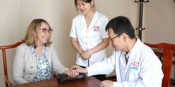 Sun-Good – врачи с пациенткой из США