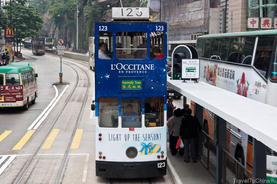 Вид со второго этажа трамвая