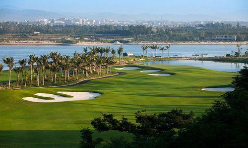 Отдых в Санья - гольф